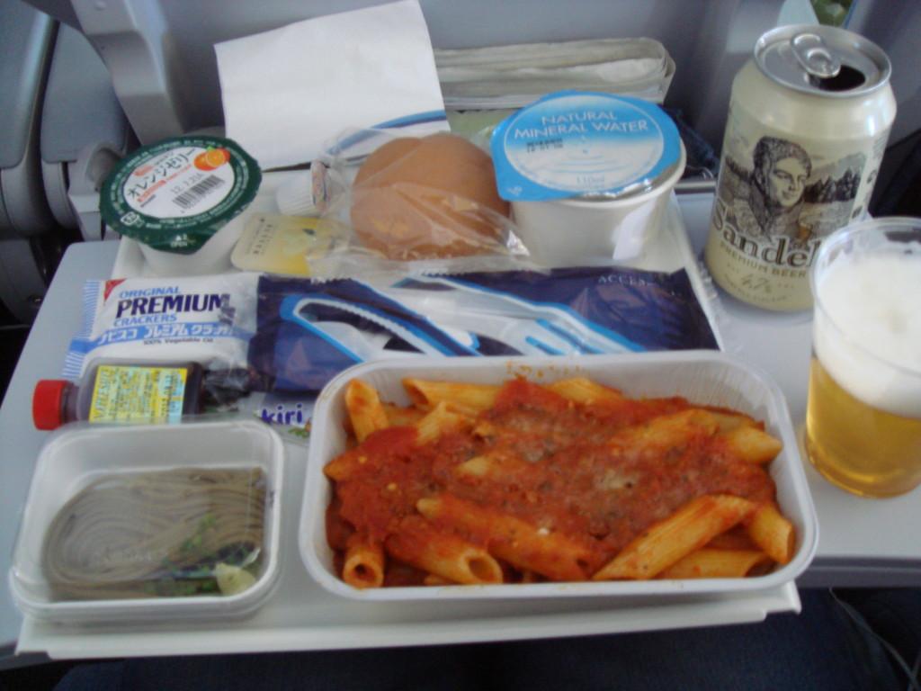 機内食ペンネパスタ